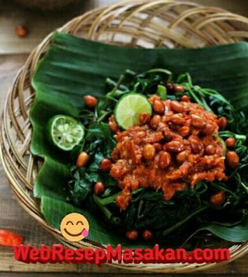 Plecing kangkung khas lombok, Resep Plecing Kangkung Lombok, Cara membuat plecing kangkung,
