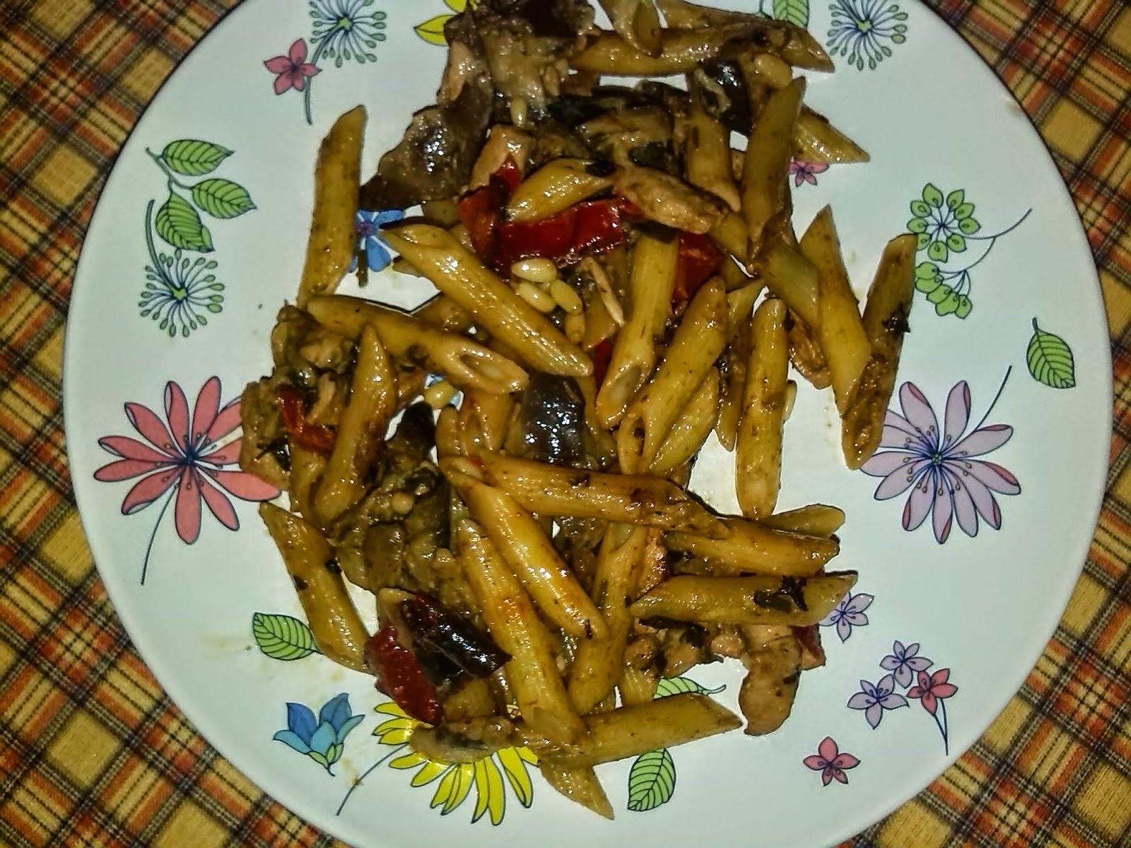 http://lashermanasyunamarx.blogspot.com.es/2014/04/pasta-con-pollo-thai.html
