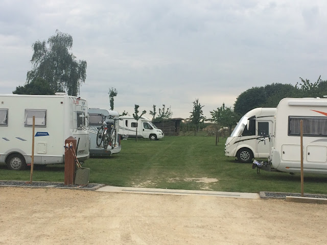 Área autocaravanas Nollekes Winning. Belgium. caravaneros.com