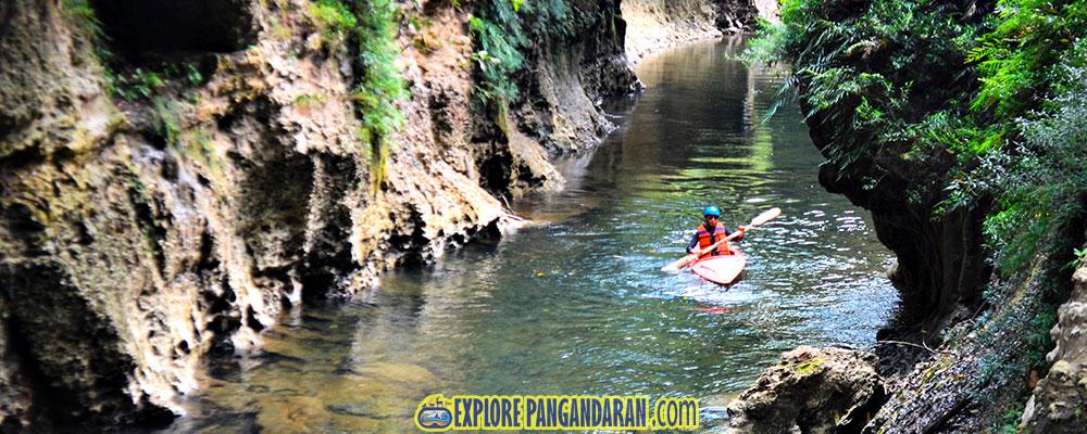 bermain kayak dan kano di grand cliff batu lumpang garden