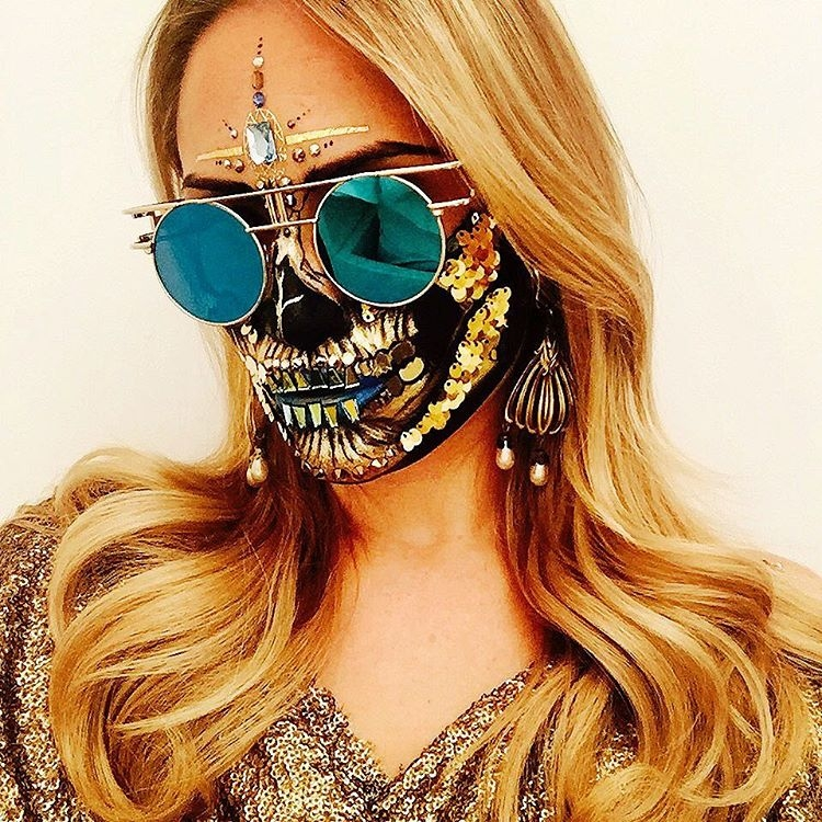 11-Rave-Skull-Vanessa-Davis-The-Skulltress-Body-Painting-not-Suitable-for-Children-www-designstack-co