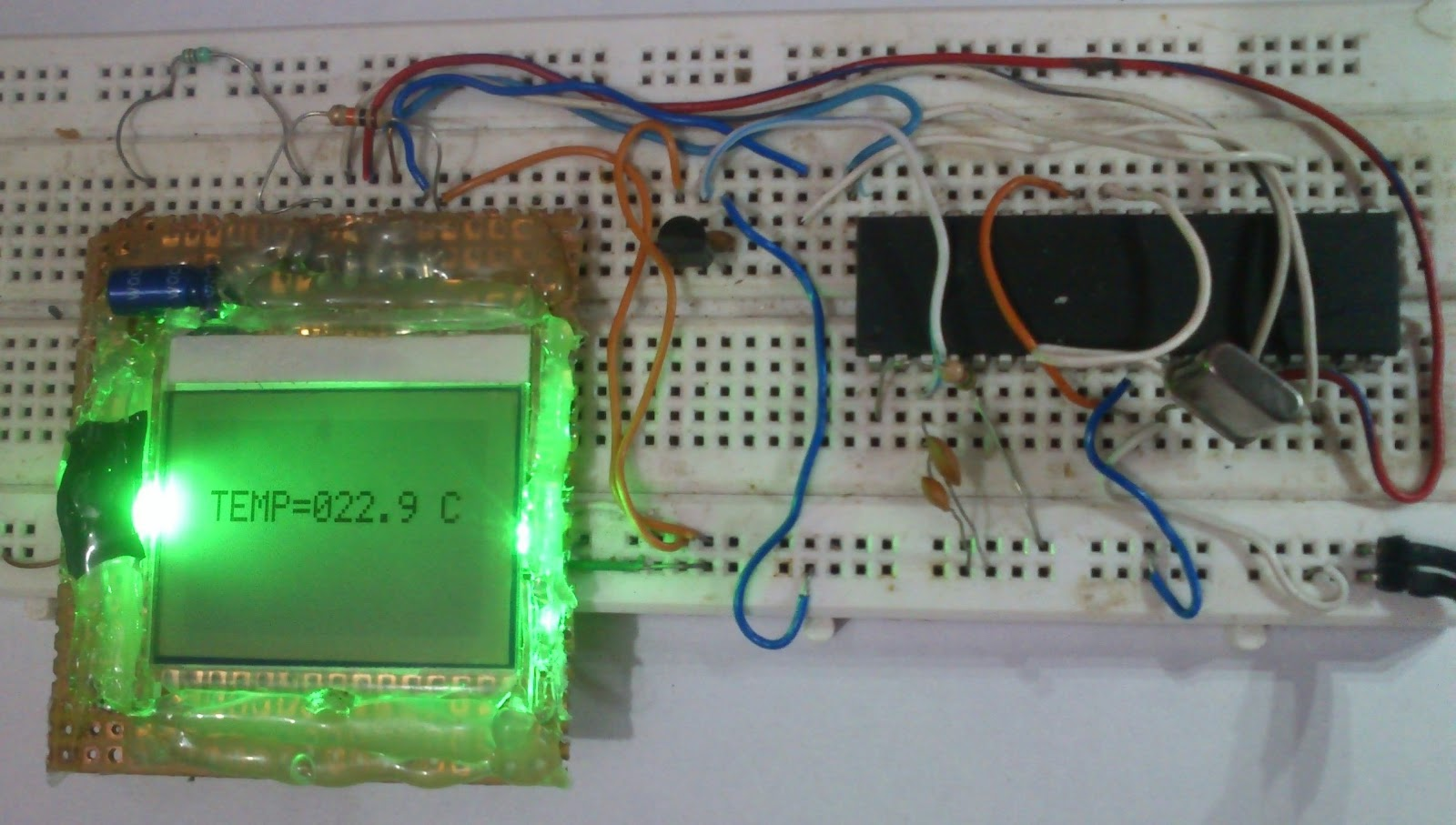 Embedded Engineering Nokia 3315 3310 Lcd Interfacing With Pic16f84 Circuit For The Software Program Is Written In C Help Of Mplab And Microchip C18 Compiler