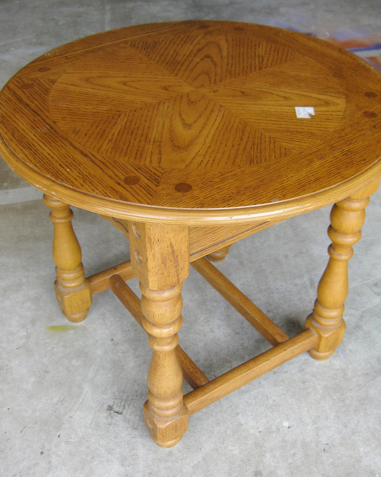 round top table with turned legs