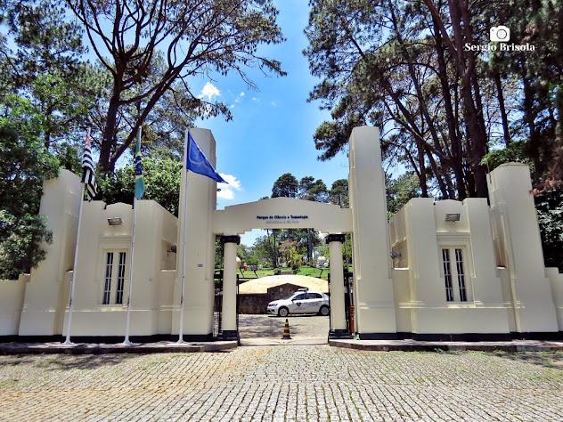 Vista ampla da entrada do Parque de Ciência e Tecnologia (CIENTEC) - Vila Água Funda - São Paulo