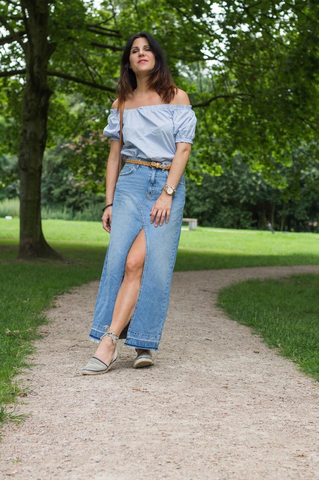 http://fashionavenueabc.blogspot.de/2016/08/long-denim-skirt.html