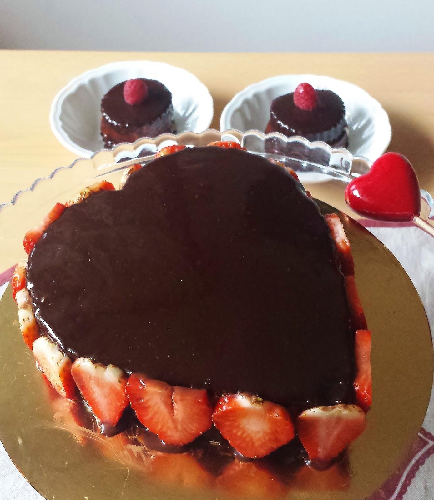 Pasticceria di casa mia torte farcite o decorate in pasta di zucchero - Glassa a specchio knam ...