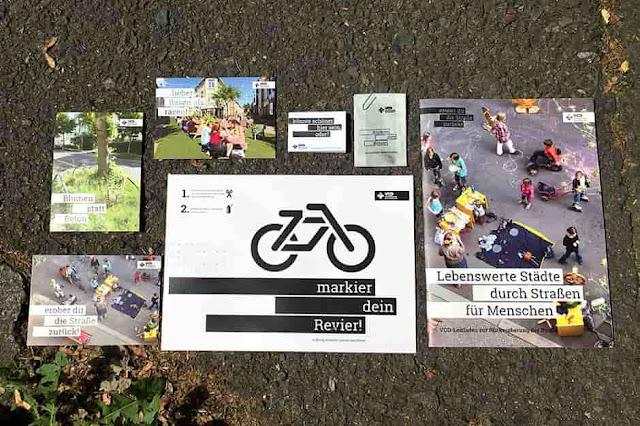 عينات من البذور و ملصقات و مجموعة من البطاقات البريدية وأكثر مجانا تصلك حتى باب منزلك