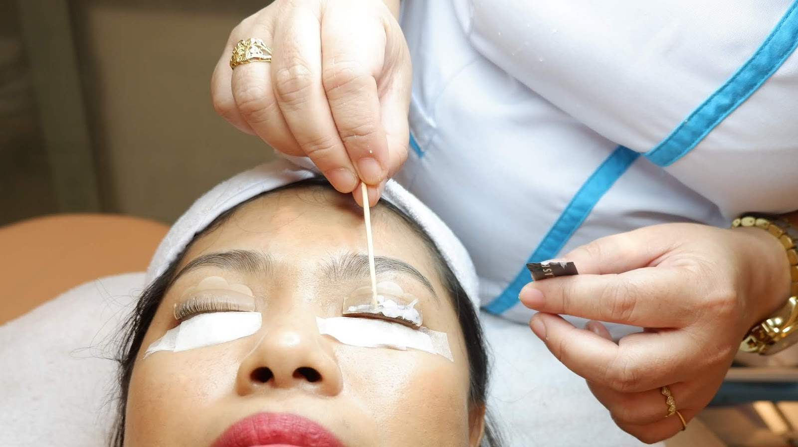 SKINHOUSE BEAUTY AND LASER CLINIC: MY FIRST KERATIN LASH LIFT WITH TINT EXPERIENCED