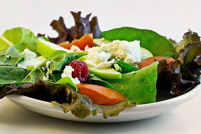Fotografía de una ensalada fresca