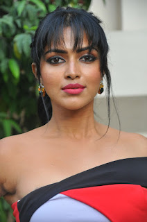 amala paul stunning stills 09