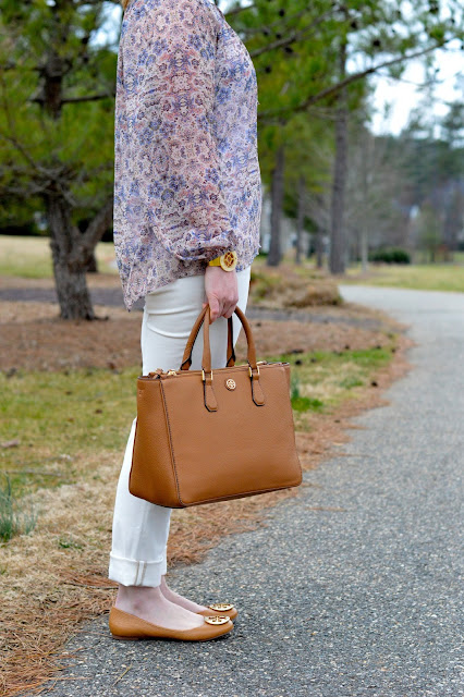 tory-burch-robinson-bag-outfit