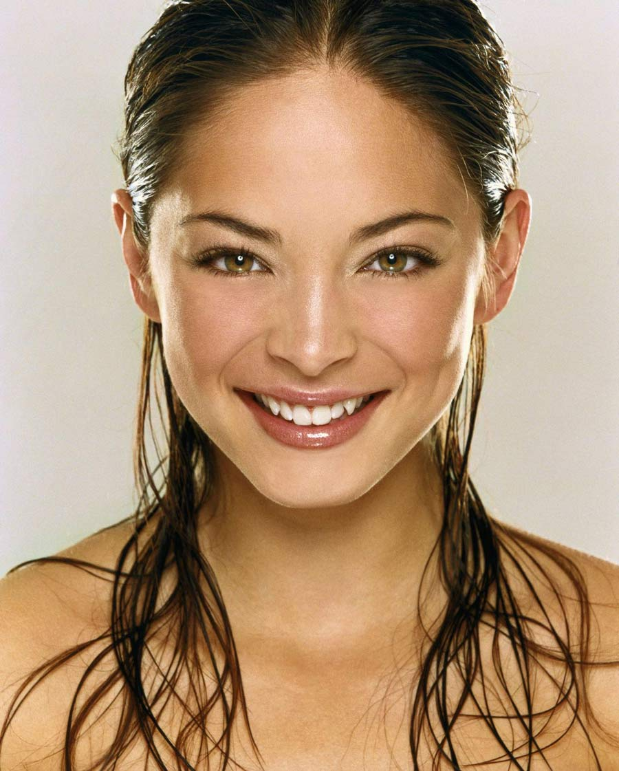 Belles Femmes Au Monde Wallpaper Kristin Kreuk Photo Kristin