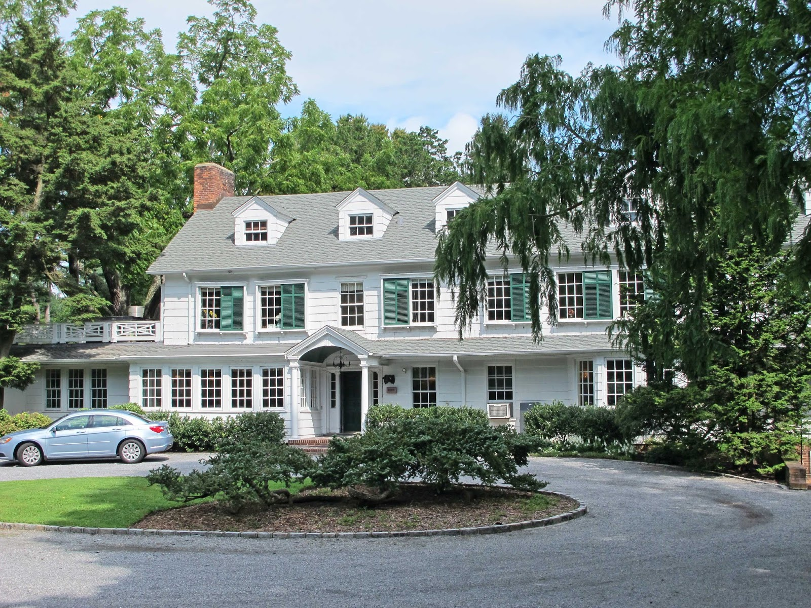 locust valley single personals Locust valley has some of the hottest nightlife, attractions, and things to do on long island, and if you're looking to go out and have a good time, you won't have to go far.