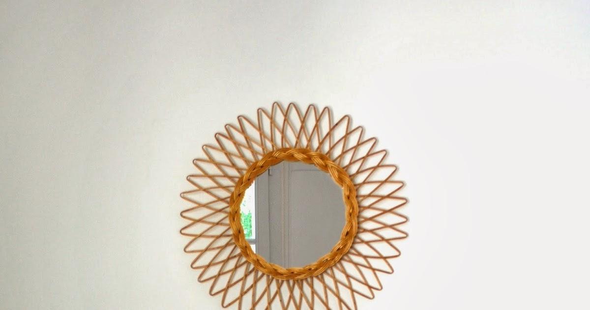 g n ration vintage petit miroir en rotin vendu. Black Bedroom Furniture Sets. Home Design Ideas