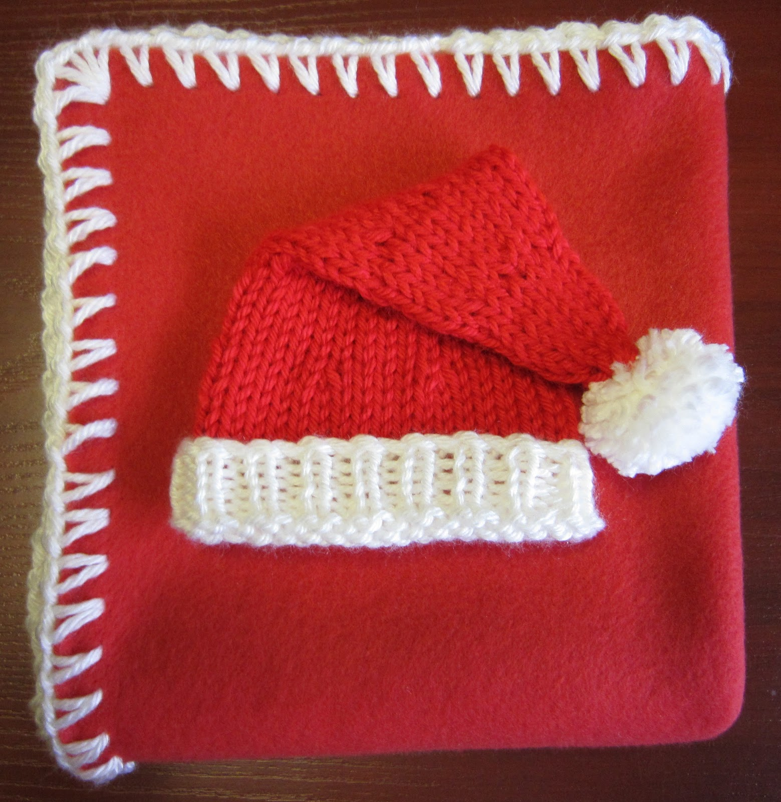 tricoter un bonnet de noel pour bebe
