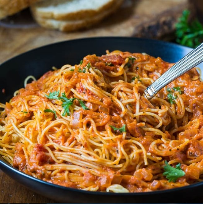 Spicy Tomato Cream Pasta #vegan #weeknight