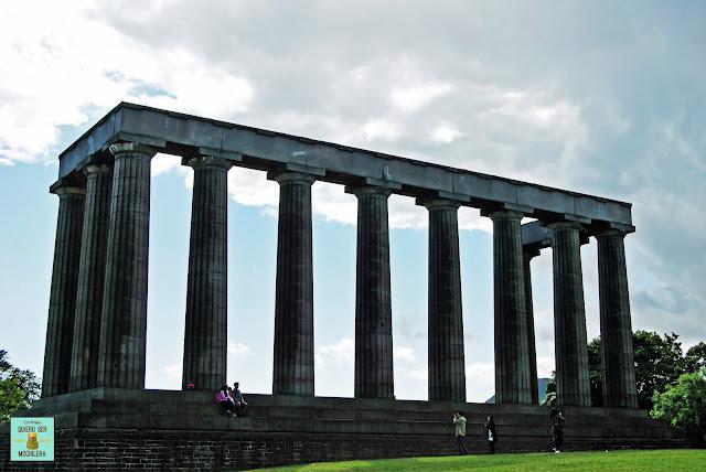 Monumento Nacional en Calton Hill, Edimburgo