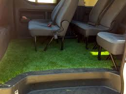 Rumput sintetis Mobil