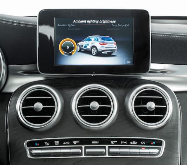 Mercedes GLC 300 4MATIC hỗ trợ các thiết bị giải trí ấn tượng