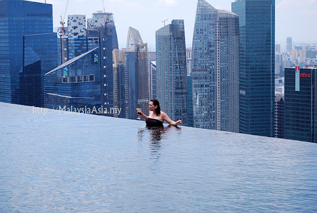Photography at Infinity Pool Singapore