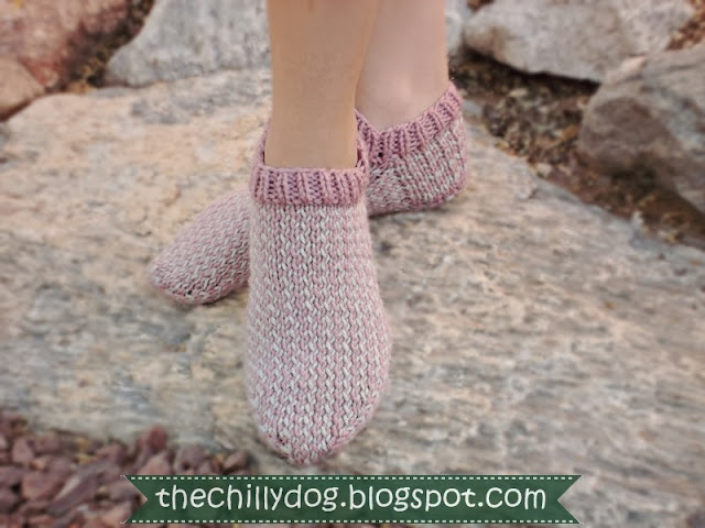 Free printable PDF pattern for adorable, women's knit slipper socks | The Chilly Dog