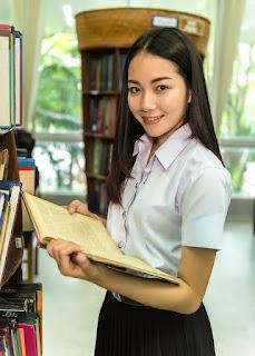 8 Benefits of integrating online Platforms into blended English Language Teaching (ELT) programs