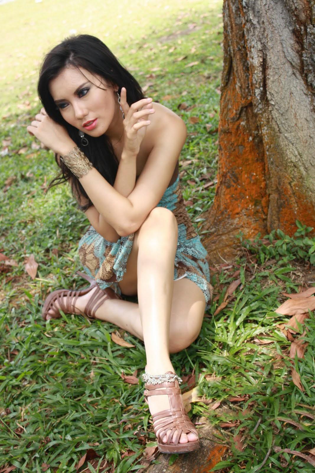 Foto Model Seksi Kennova Prawesty leher indah dan manis