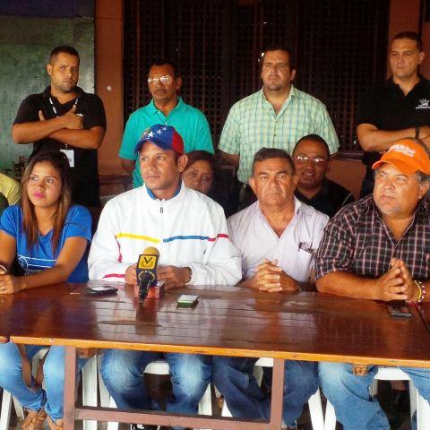 el coordinador de la Mesa de la Unidad en el municipio Heres, Julián Briceño