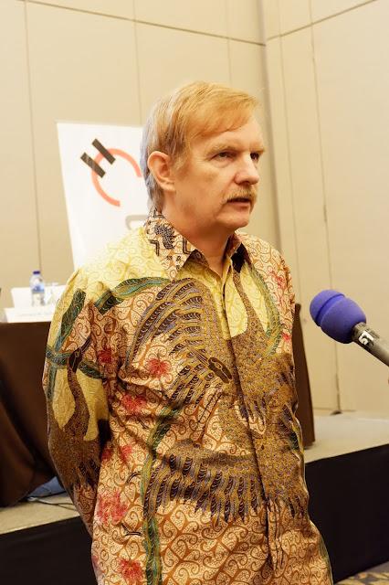 Gary Schutz Presiden Direktur Holcim Indonesia