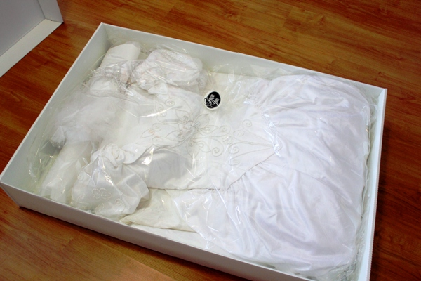 Like fashion edressit how to clean your formal dress for Do dry cleaners steam wedding dresses