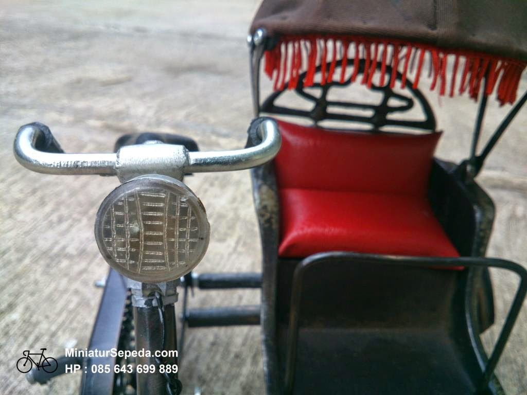 Miniatur Becak Jogja