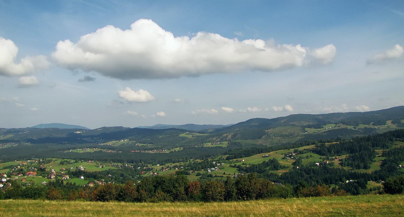 Północno-zachodnia panorama z Ochodzitej.