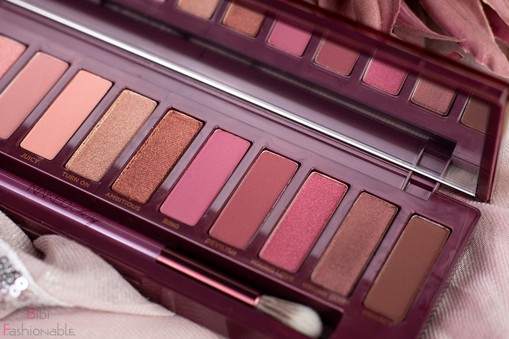 Urban Decay Naked Cherry dunkle Töne nah