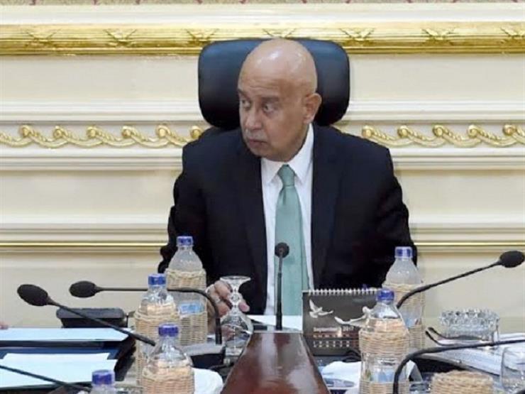 رئيس الوزراء يعلن عن توزيع 600 ألف تابليت على طلبة المدارس العام القادم