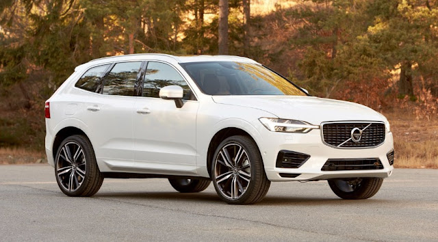 New Volvo XC60 with semi-automatic driving