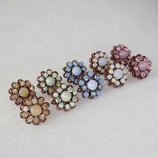 vintage style rhinestone jewelry