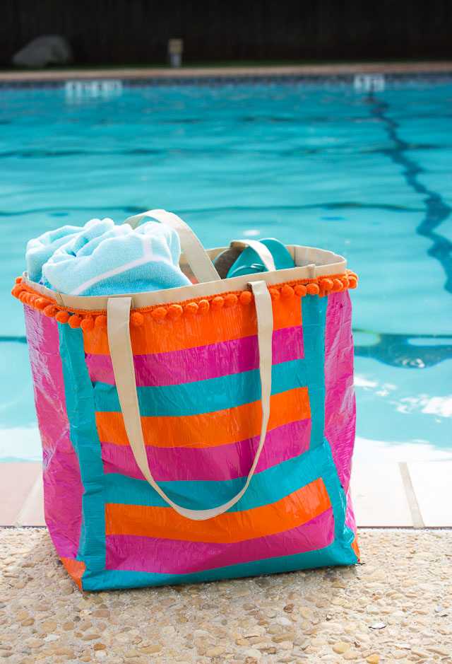 How to Pack for the Pool: 10 Pool Bag Essentials | Design Improvised