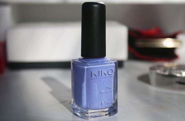 пастельный лиловый лак для ногтей
