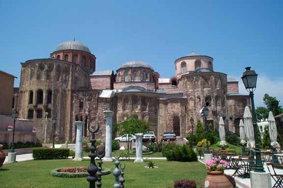 Η Μονή Παντοκράτορος (Zeyrek camii) στην Κωνσταντινούπολη