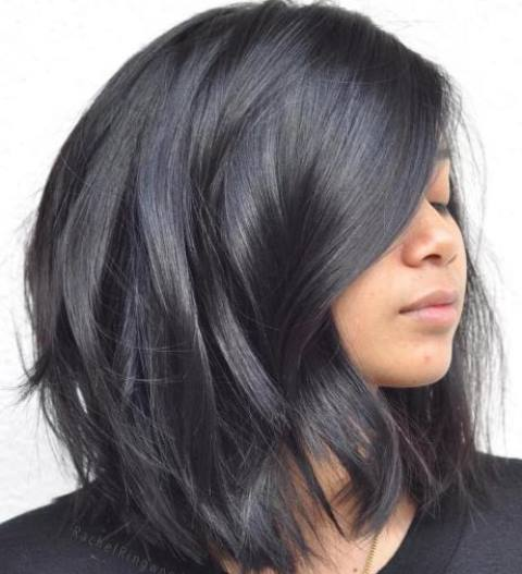Model Rambut Layer Hitam Menengah Pendek