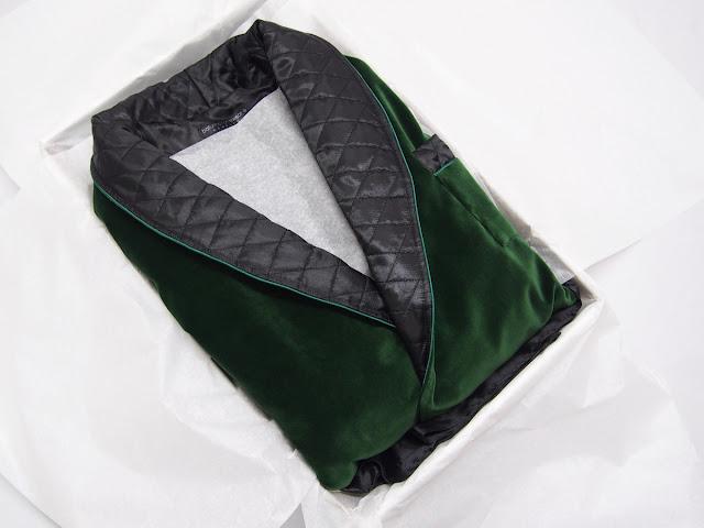 Men's dark green velvet dressing gown with quilted silk collar gentleman's robe