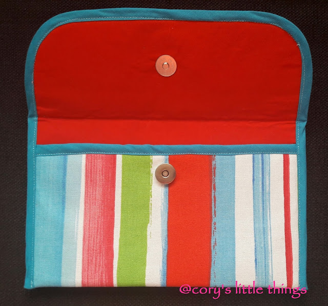 """""""Flower and stripes"""" clutch"""