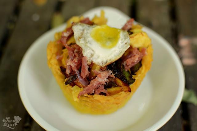 cesta de patatas con huevos rotos y jamon tererecetas 04