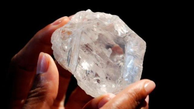 Sebongkah Berlian Pink Terbesar di Dunia Laku 711 Milyar
