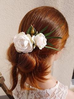 Patouche Chapeaux Normandie Fleurs de soie blanches montées sur épingle