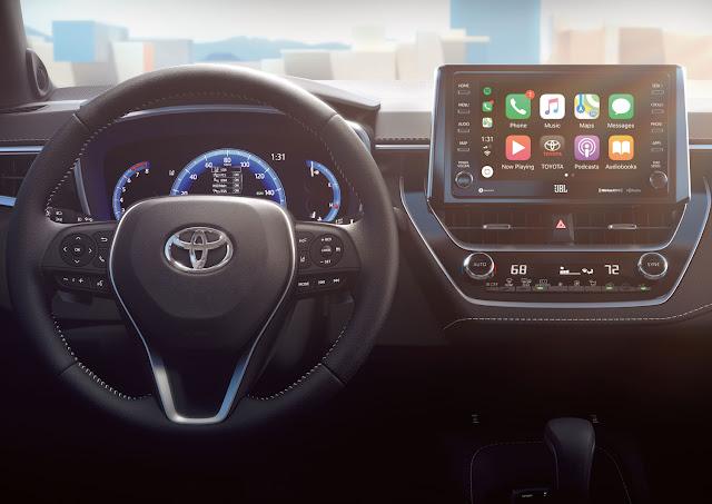 2019 Toyota Corolla Hatchback XSE dashboard