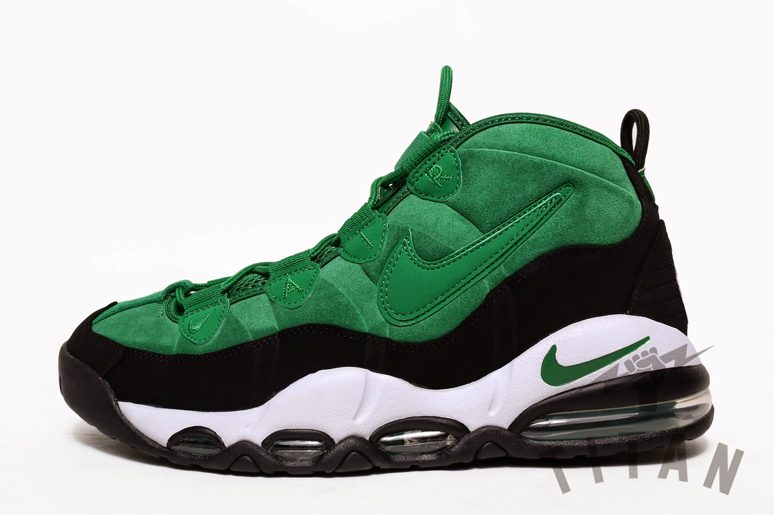 the latest 192b8 89dde Nike Air Max Uptempo available at Titan