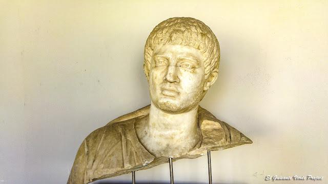 Retrato romano en Apolonia de Iliria - Albania por El Guisante Verde Project