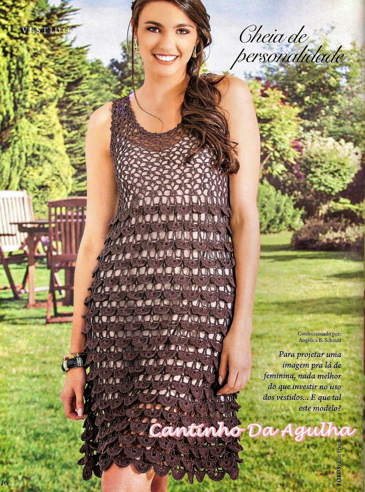 Bellísimo vestido al crochet con diseño muy elegante con patrones