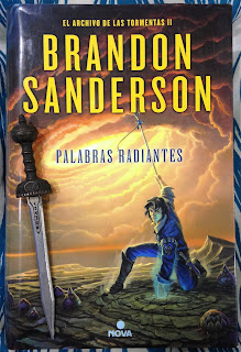 Portada del libro Palabras radiantes, de Brandon Sanderson